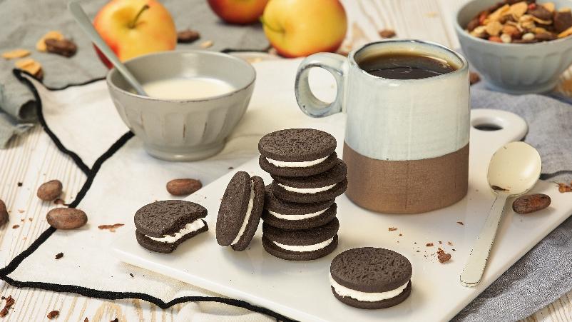 עוגיות סנדביץ' במילוי קרם וניל   Chocolate O's